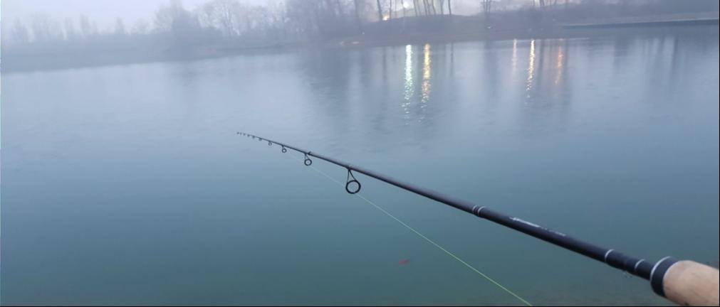 la pesca spinning in laghetto
